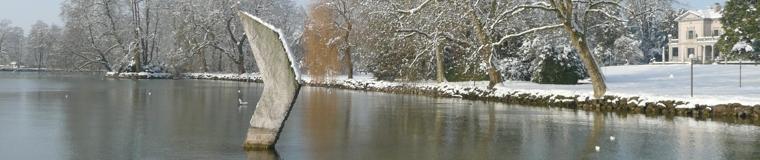 Der Villette-Park bei strahlendem Winterwetter